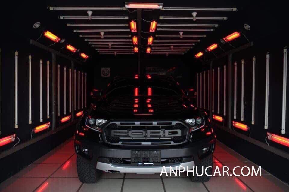Siêu bán tải Ford Ranger Raptor mạnh mẽ đẳng cấp và thời thượng