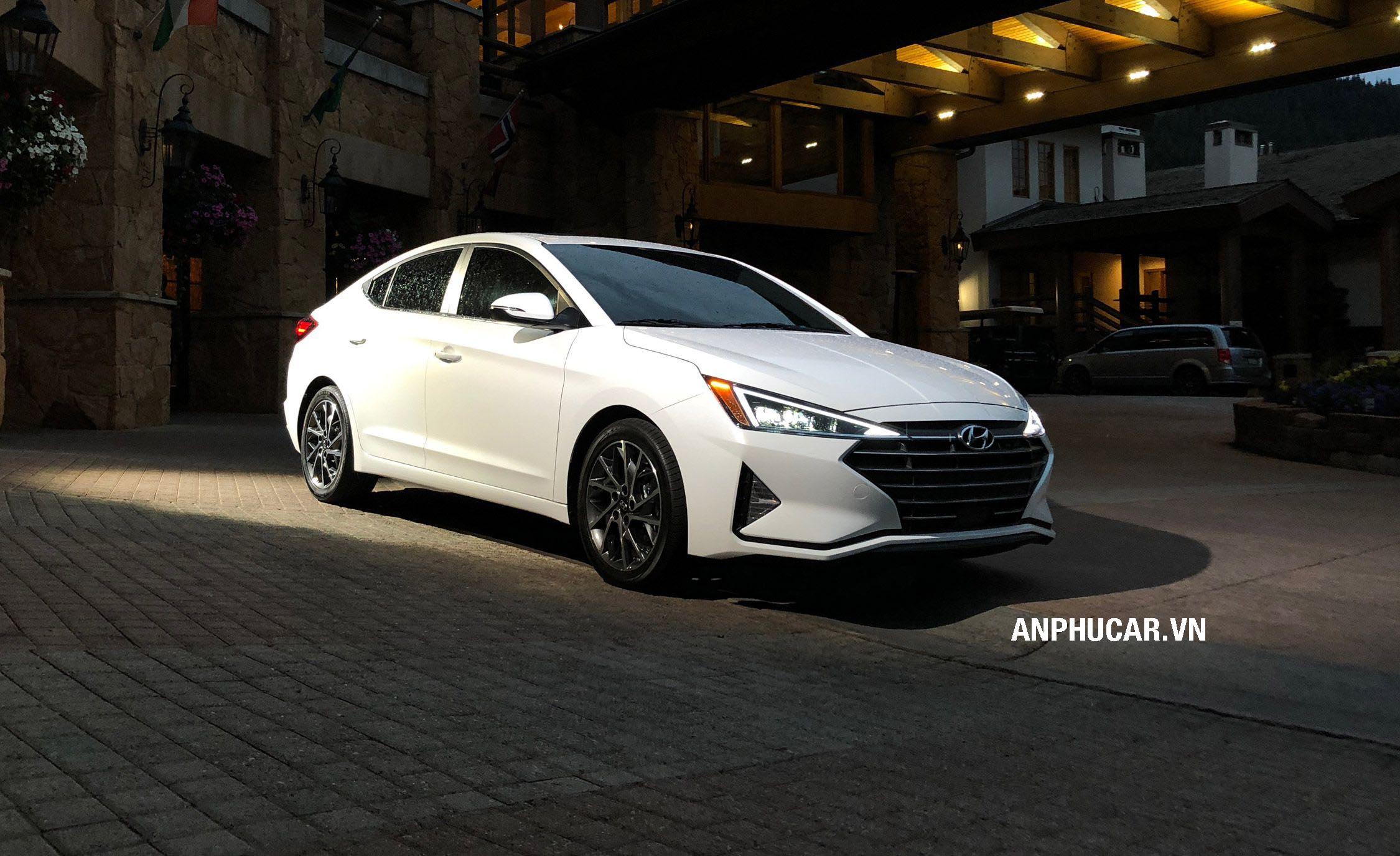 Đánh giá xe Hyundai Elantra 2020