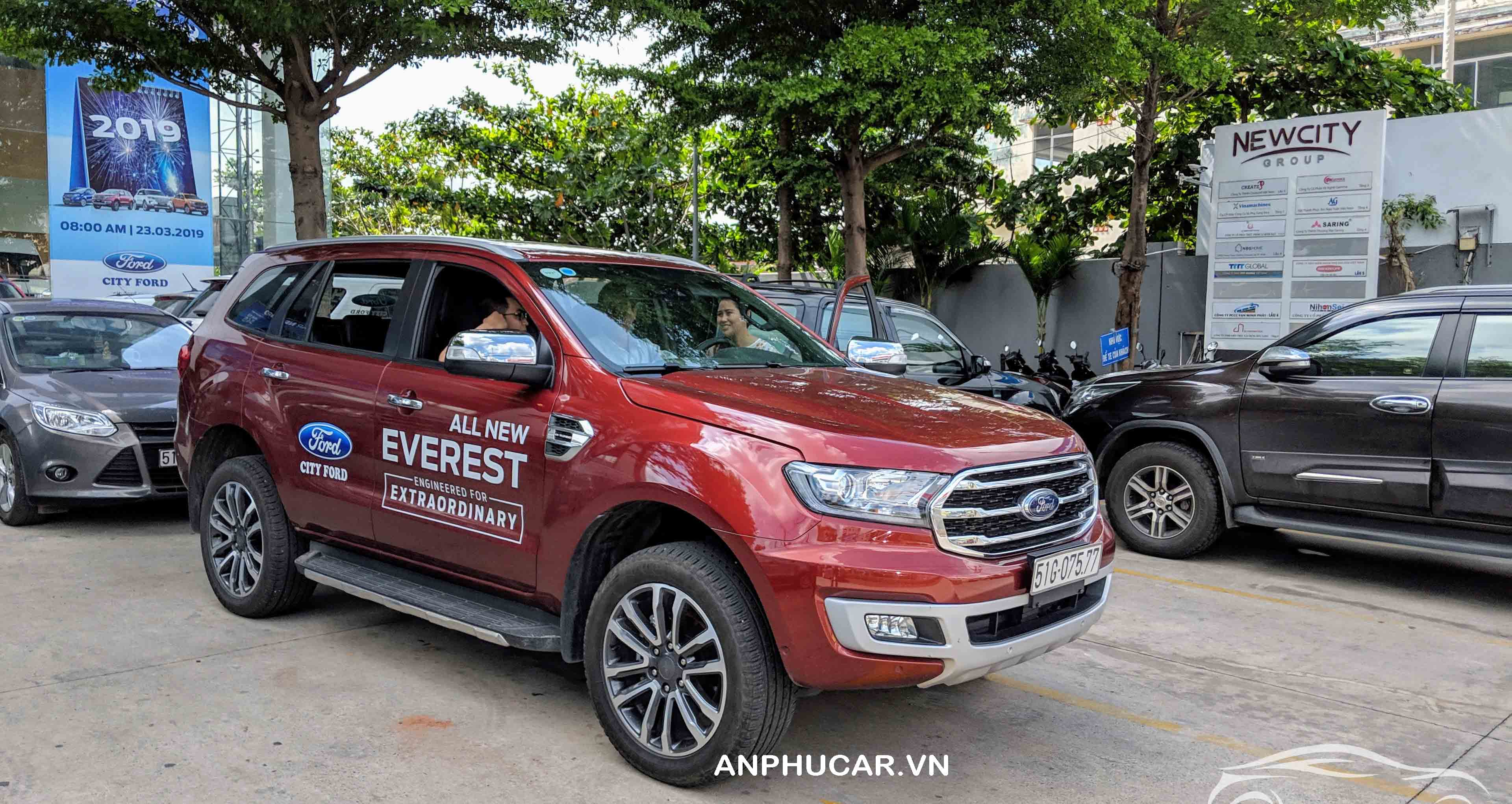 ford everest 7 cho