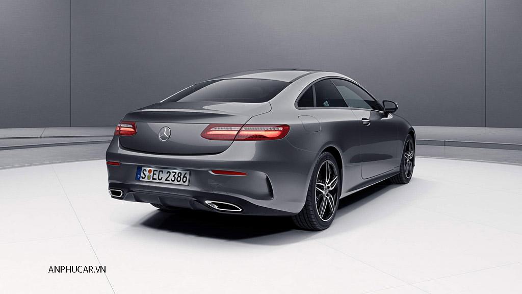 Ngoai that Mercedes Benz E350 2020
