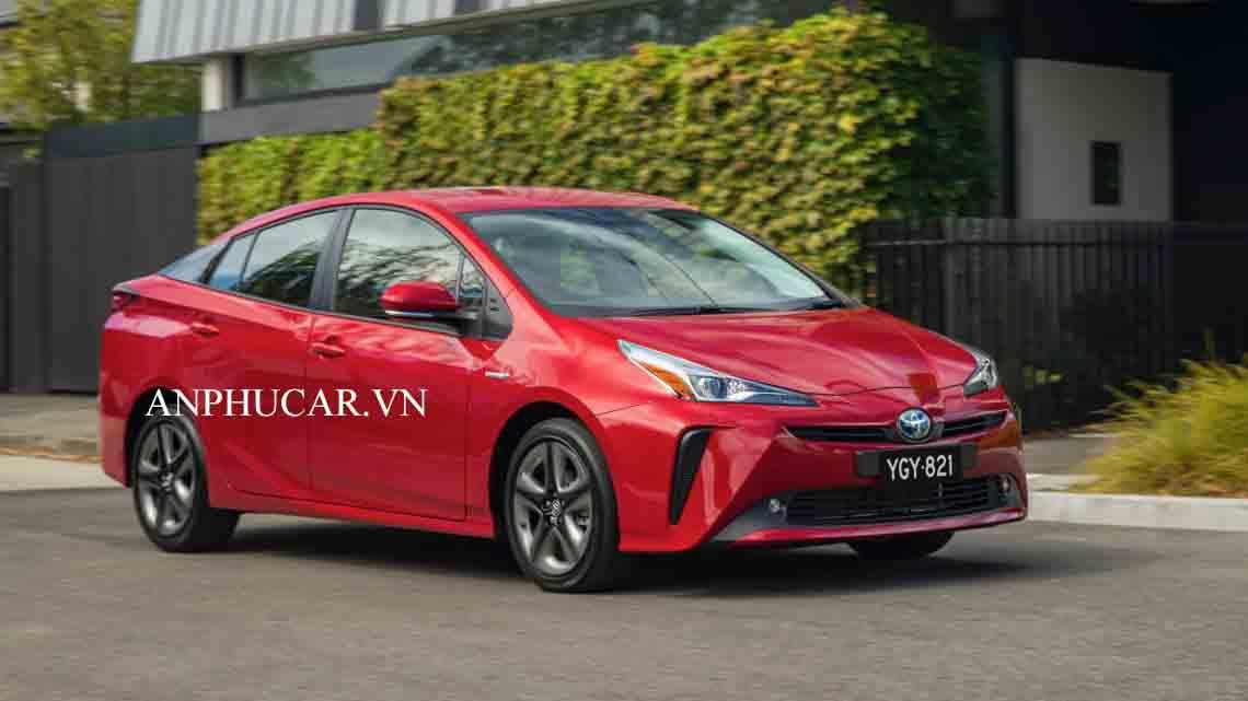 Giá xe Toyota Prius 2020