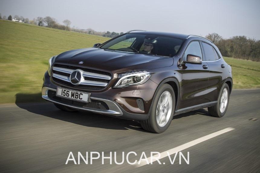Mercedes GLA 200 ngoai that
