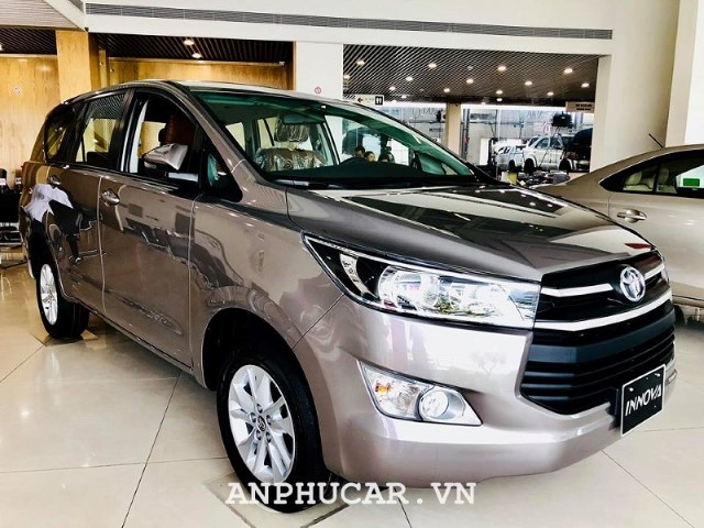 Toyota Innova 2020 khuyen mai giao ngay