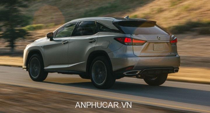 duoi xe Lexus RX 350L 2020