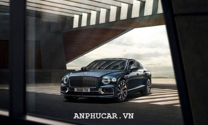Ra mắt mẫu xe mẫu xe sedan hạng sang Bentley Flying Spur 2020