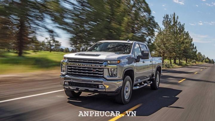 Chevrolet Silverado HD 2020 gia lan banh