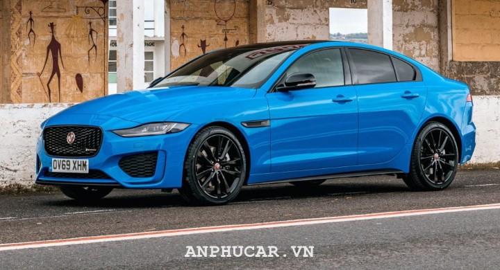 Jaguar XE 2020 gia lan banh