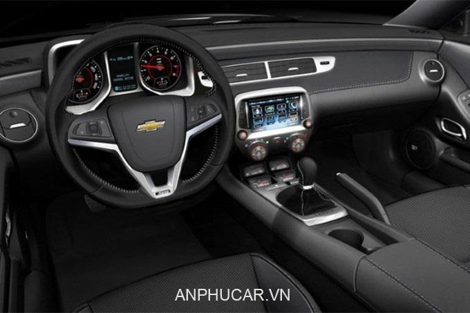 Gia Xe Chevrolet Camaro 2020 Noi That